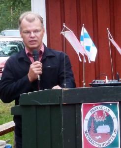 Tervolan kunnan tervehdyksen juhlaan toi kunnanjohtaja Mika Simoska.